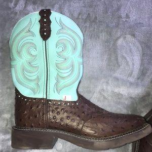 JUSTIN gypsy square toe boots